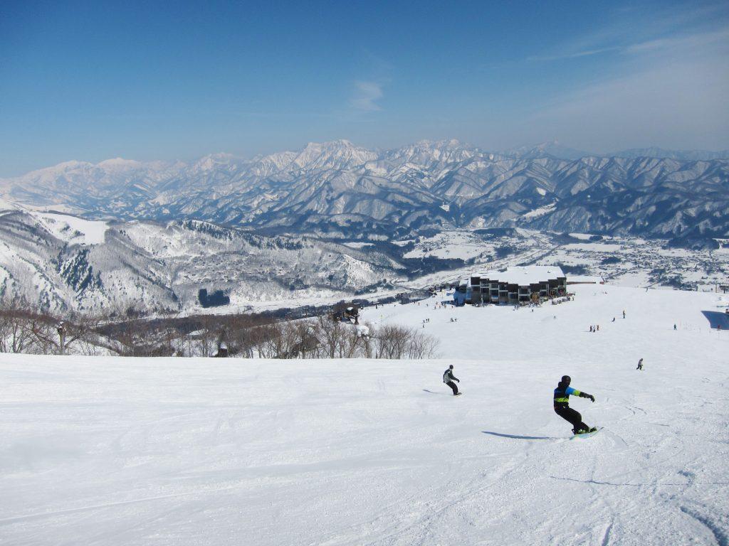 Mit Hakuba Skisafari geht es ins japanische Hakuba Valley © Hakuba Tourism Board