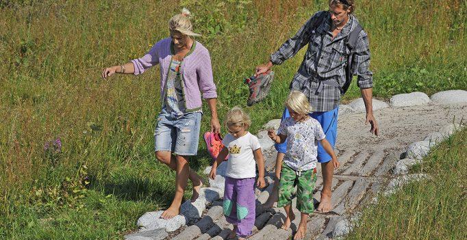 Generationen-Gipfelbarfußweg Spieljoch © Wörgötter&Friends